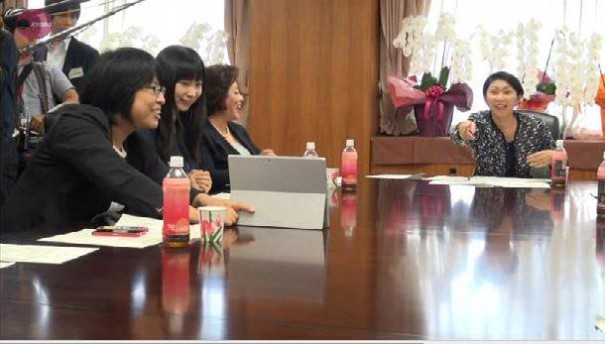 小渕大臣 懇親会 ご様子  先日、経済産業省の新大臣に就任されました、小渕優子大臣の大臣懇親会に