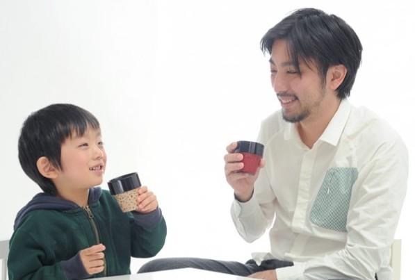 青森県から 津軽塗りの こぼしにくいコップ