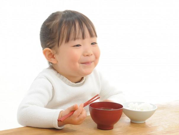 bowl_girl_smile-605x456