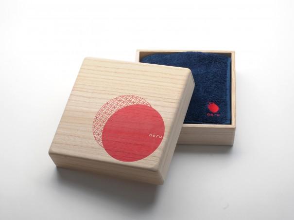 aeru徳島県から本藍染のフェイスタオル(藍勝色桐箱入り)