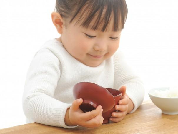 bowl_girl_open-605x456
