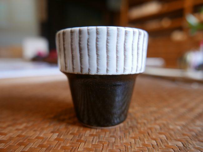 和える こぼしにくいコップ 小石原焼 刷毛目